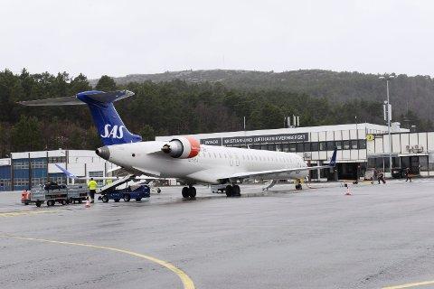 Hittil i år har Kristiansund lufthavn Kvernberget en nedgang på 4,5 prosent i passasjertrafikken.