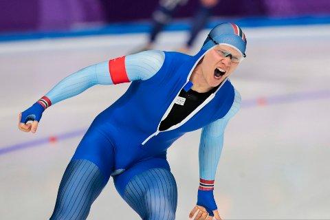 Håvard Holmefjord Lorentzen blir olympisk mester på 500 meter skøyter i Pyeongchang.