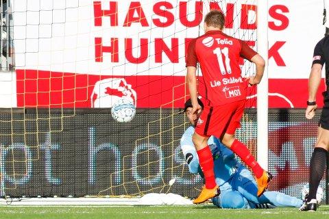 MÅL: 0-1 ved Branns Steffen Lie Skålevik under eliteseriekampen i fotball mellom Start og Brann på Sør Arena.