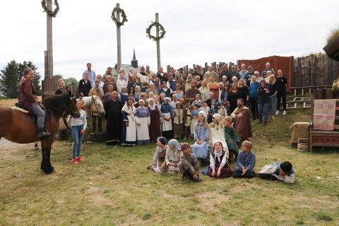 Vel 3.000 så «Fru Guri av Edøy». Her er årets Guri-familie.