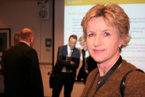 Ellen Engdahl, daglig leder i Nordmøre Interkommunale Politiske Råd, mener regjeringen må leve opp til oppdragsbrevet hvor det står at Kristiansund skal ha 70 statlige arbeidsplasser tilknyttet regnskapsoppgaver.