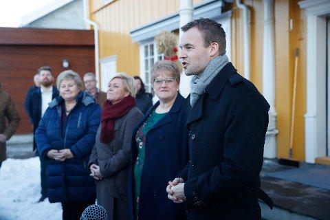 Statsminister Erna Solberg (fra venstre) finansminister Siv Jensen, kulturminister Trine Skei Grande og nestleder i Krf, Kjell Ingolf Ropstad. Det skal nå bare gjenstå en skrivejobb før den nye regjeringsplattformen er klar.