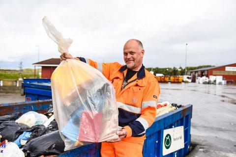 Fra 1. januar 2020 må du levere avfall i blanke sekker.