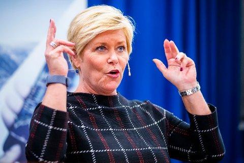 «Hvordan håndterer Norge de store samfunnsspørsmålene i tiden framover?» er temaet finansminister Siv Jensen (Frp) skal snakke om på Desemberkonferansen.