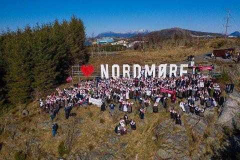 Bidet viser skiltet på Bjønnahaugen i Kristiansund og er hentet fra TK`s artikkel.