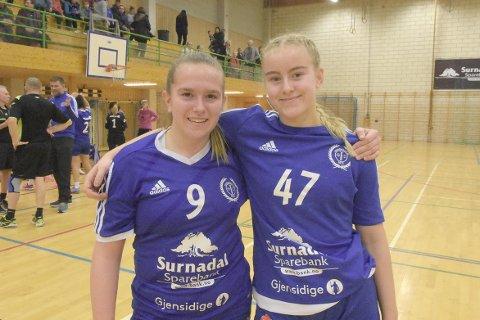 DEBUT: Emilie Brøske Rønning og Hanne Dønnem spiller til daglig på Rindal/Surnadal jenter 16, men fikk sine debutanter på seniornivå da Surnadal tapte 31-35 mot Frøya. Begge kom fra debuten med mer enn godkjent!
