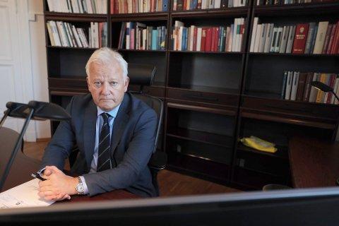 Riksadvokat Jørn Maurud er positiv til forslaget om å avkriminalisere enkelte brudd på narkotikalovgivningen og mener det kanskje er på tide å tenke nytt rundt narkotika og kriminalitet i Norge.