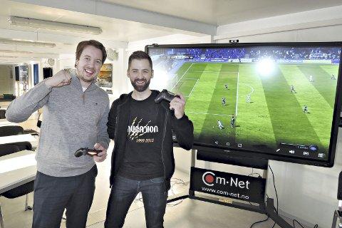 Esport: Asgeir Kvalvik (til venstre) og Mareno Steira håper mange vil være med å spille FIFA på Convention første helga vinterferien.