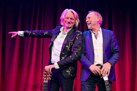 Jan Eggum (t.v.) og Halvdan Sivertsen da de presenterte sitt show «VI TO (er ikke Romeo og Julius)» som går på Chat Noir. I høst treffer du dem på Nordmøre. (Foto: Håkon Mosvold Larsen / NTB scanpix)