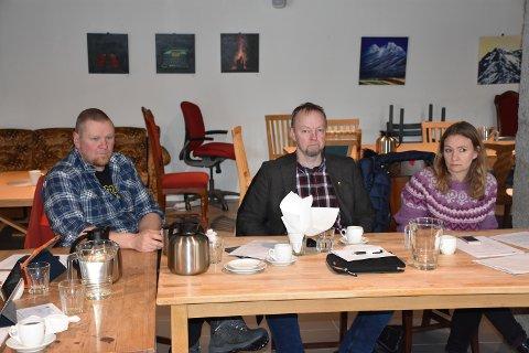 Tre på topp: Gunnar Skuggevik (fra venstre), Roger Bach og Lise Almskår Aasgård er de tre som troner øverst på Tingvoll Fremskrittspartis valgliste.
