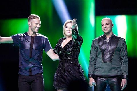 """VANT: Keiino med Tom Hugo (til venstre), Alexandra Rotan  og Fred Buljo framfører sangen """"Spirit in the Sky"""" under Melodi Grand Prix i Oslo Spektrum lørdag kveld."""