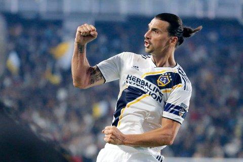 Zlatan Ibrahimovic har blitt 37 år gammel, men fortsetter å bøtte inn mål for LA Galaxy.
