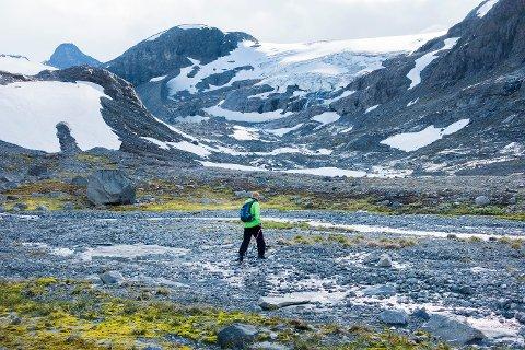 Norske isbreer smelter, konstaterer FNs klimapanel, og endringen settes i direkte sammenheng med klimaendringer. Her er Smørstabbtindan i Leirdalen i Jotunheimen.