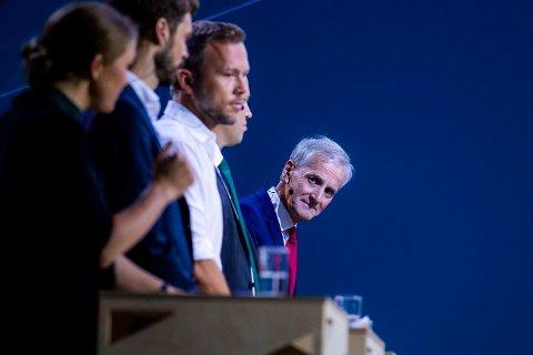 Arbeiderpartiets leder Jonas Gahr Støre i debatt med øvrige partiledere. Ap ligger an til å miste velgere ved mandagens kommunevalg.