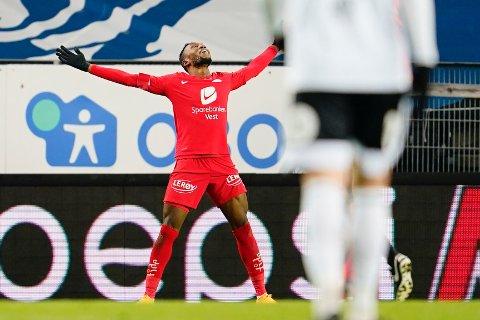Daouda Bamba - tilbake fra korona - scoret det andre målet for Brann på Lerkendal.