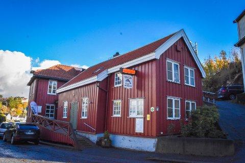 Driverne av Smia, Stian Røsand og Olav Kåre Jørgensen, sier at lokalet ikke tillater store selskap, og at de enkelt kan legge til rette for trygge arrangementer i tråd med førende restriksjoner.