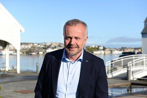 Kristiansunds ordfører Kjell Neergaard mener Norweigans nye rute mellom Kristiansund og Oslo er positivt både for næringslivet og for privatpersoner.