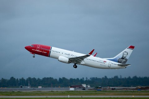 Illustrasjonsfoto. En Boeing 737-8JP fra Norwegian tar av fra vestre rullebane på Oslo lufthavn Gardermoen.