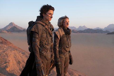 Filmatiseringen av «Dune», Frank Herberts klassiske science fiction-roman fra 1965, er en av filmene Warner Bros kommer til å lansere samtidig på kino og strømmetjenesten HBO Max.
