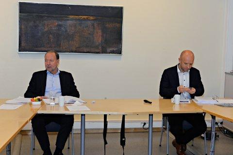 Styreleder Ingve Theodorsen (til venstre) og adm. dir. Øyvind Bakke i Helse Møre og Romsdal.