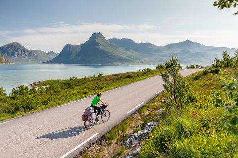 """VARIERT: Norge byr på en enorm variasjon av minneverdige sykkelruter. NRK har valgt ut fem """"indrefileter"""" for årets sommersatsning."""