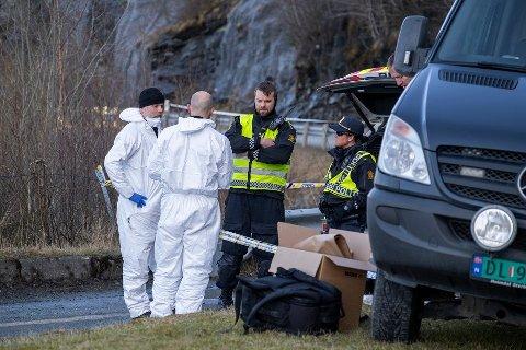 Den avdøde som ble funnet omkommet ved sjøen utenfor Trolla i Trondheim tirsdag, er en kvinne i alderen 25- 50 år, opplyser politiet.