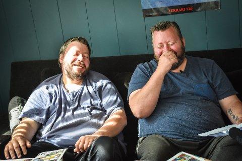 Brødreparet Edvin (venstre) og Ruben Løfgren  fikk avslag hos TV2, men de satser nå på webserie.