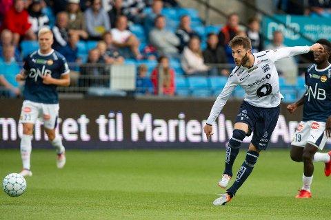 Svenske Liridon Kalludra har signert ny kontrakt med KBK.