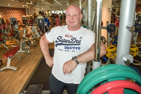 FORNØYD: Gunnar Holth (46) driver treningsenteret på over 550 kvadratmeter i Kristiansund.