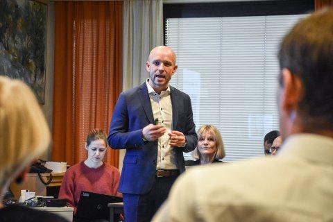 Arbeidsgruppa som har utredet hva som skal være ved SNR Kristiansund, vil fortsette med dagkirurgi innen øre, nese hals og urologi. Så langt er dette ikke avklart, men adm.dir. Øyvnid Bakke åpner for at dette kan vurderes senere.