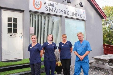 Åndal Smådyrklinikk har drevet i 10 år. Fra venstre: Hege Marit Hyllnes, Therese Folland Tennøy, Lill Sæther og Nils Arild Sæther.