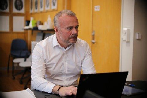 – Foretaket har selv skapt stor usikkerhet rundt tilbud og arbeidsplasser ved Kristiansund sykehus. Driften blir opprettholdt fra år til år uten noen langsiktig plan, heter det – blant annet – i uttalelsen som er underskrevet av ordfører Kjell Neergaard og resten av formannskapet i Kristiansund.