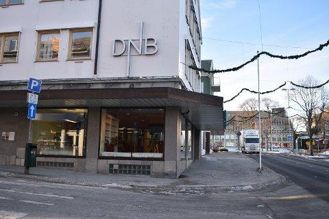 DNB flytter ut av lokalene i Nedre Enggate i Kristiansund.