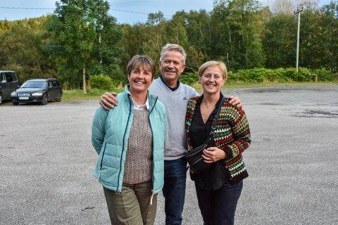 Anne Peggy Halaas (fra venstre), Ivar Kristiansen og Mette-Anita Halaas hadde kommet helt fra Østlandet for å se filmen.