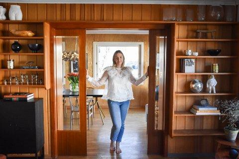 Rebecca Cathrine Hjemgård har på kort tid forelsket seg i funkisboligen i Vuggaveien.