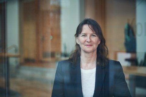 Ellen Lystad er direktør for Teknologitjenester i Avinor Flysikring. Mandag ble hun og kåret til en av Norges 50 fremste tech-kvinner.