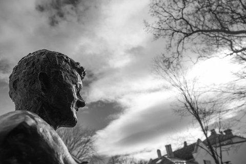 Statuen av Ole Gunnar Solskjær skal stå ved Campus. Debatten går etter at det ble kjent.