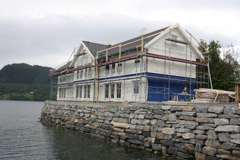 Flott bygg: Bygningen som skal inneholde 6 leiligheter, blir et flott bygg og ligger fint til på Våglandsnesset.