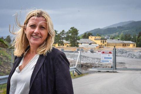 Leder for prosjektstyret, Heidi Nilsen, er glad for å kunne presentere HENT som entreprenør for fundamenter, råbygg og tettbygg på det kommende fellessykehuset