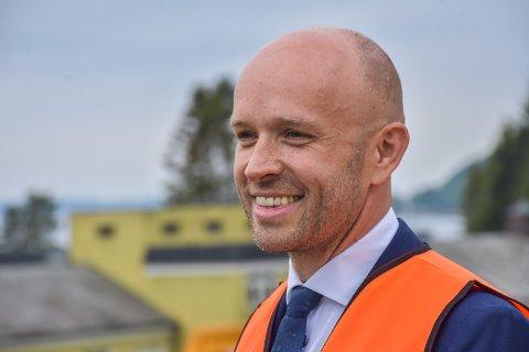 Administrerende direktør i Helse Møre og Romsdal, Øyvind Bakke, var stolt over at grunnsteinen ble lagt ned lørdag.