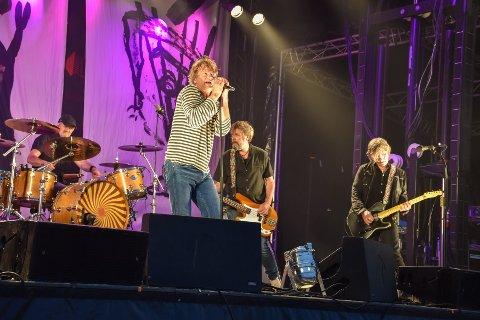 Sola Jonsen (fra venstre, på trommer), Prepple Houmb, Aslak Dørum (bass) og Kjartan Kristiansen (gitar) headlinet Tahitifestivalen første dag.