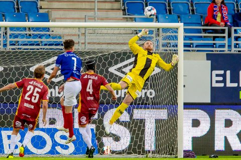 TØFF KAMP: Anders Kristiansen og Sarpsborg 08 møter fjorårets suverene seriemester Bodø/Glimt på Stadion lørdag.