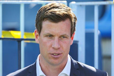 TV 2s fotballekspert Jesper Mathisen mener RBK bør se på Kjetil Knutsen og tror Glimts suksesstrener er villig til å gå.