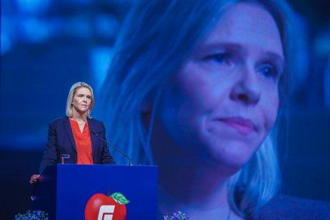 Frp og Sylvi Listhaug faller til et historisk bunnivå og får bare 7,2 prosent oppslutning på Dagbladets partibarometer tatt opp to og en halv måned før stortingsvalget.