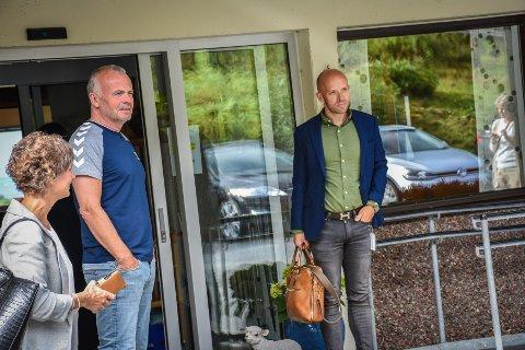 Kjell Neergaard (venstre) og Øyvind Bakke var blant deltakerne da NIPR invterte til en presentasjon av Aure rehab.