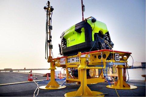 Forberedelsene for å kunne bruke undervannsdrone på Njord er godt i gang. 6. august kom dokkingstasjonen på plass på havbunnen.