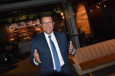 Fremskrittspartiets Frank Sve er valgt inn på Stortinget sammen med Sylvi Listhaug. Han fortsetter likevel i fylkestinget i Møre og Romsdal.