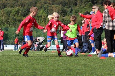 Det var totalt 48 lag med i årets Eide Cup. Foto: Kjell Olav Moen