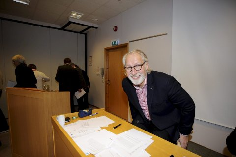Fornøyd: Venstres Carl Erik Grimstad får 200.000 kroner i lønn som varaordfører. Det ble vedtatt, mot stemmene fra Frp og Høyre, da kommunestyret på Tjøme behandlet budsjettet for 2016. Det ble også vedtatt å bruke rundt 300.000 på møtegodtgjørelser til et nytt hovedutvalg. Også det mot Frps og Høyres vilje. foto: Terje wilhelmsen