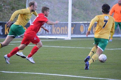 VANT IGJEN: FKT-kaptein Christian Østli i aksjon i fredagens hjemmekamp mot Fagerborg. Foto: Even Grinvoll